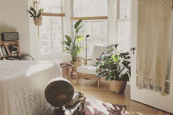5 Easy Hacks for Moving into a Small Space